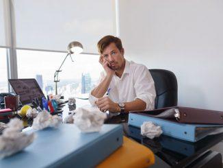 Arbeitszimmer aufräumen Tipps