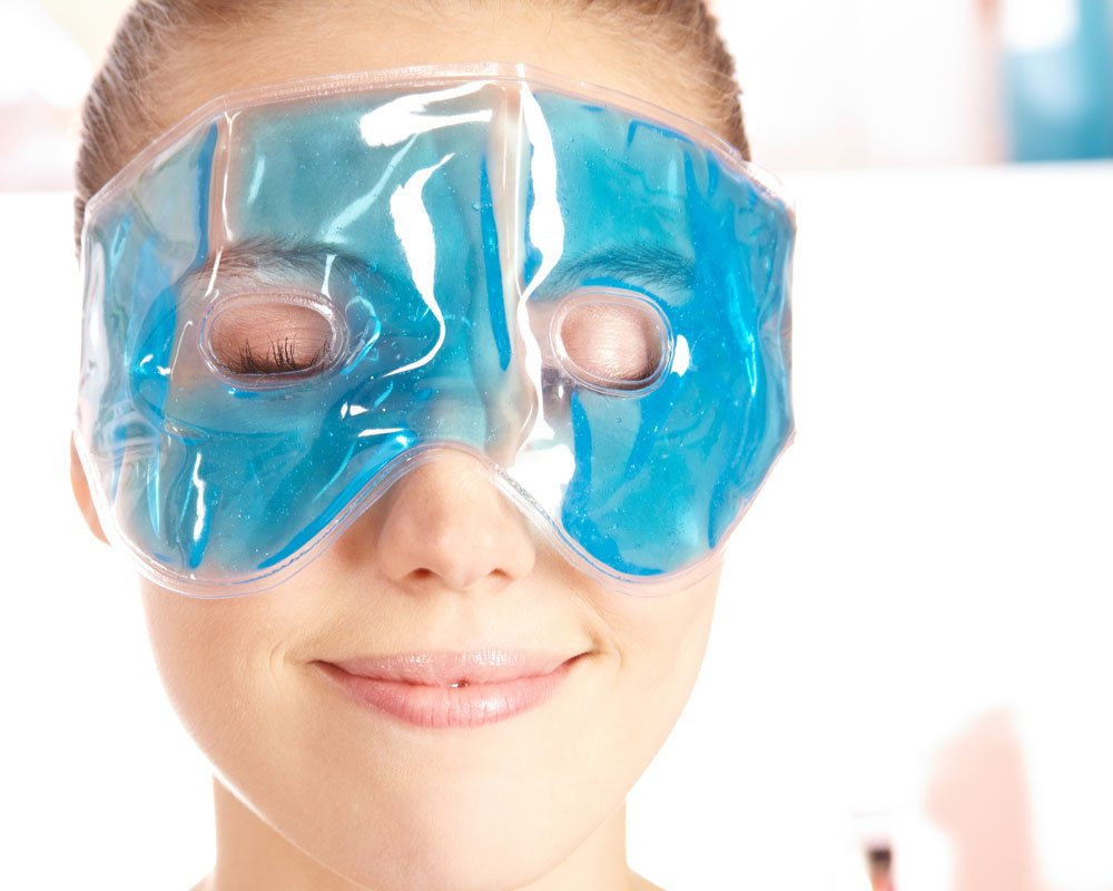 Get rid of dark circles with yellow glasses
