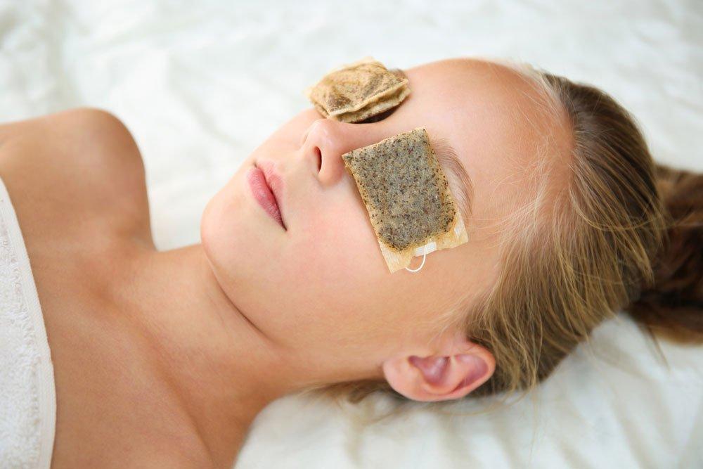 Get rid of dark circles with tea bags