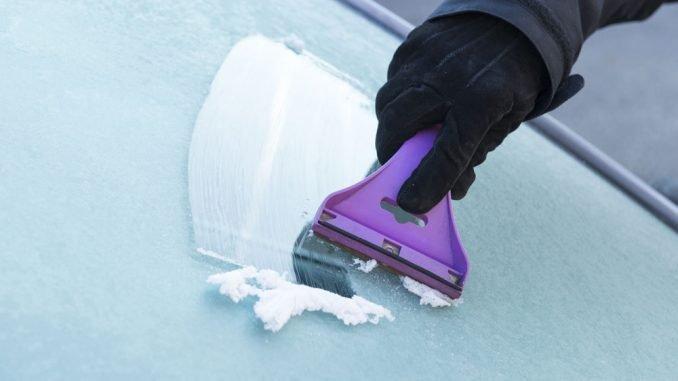 Autoscheiben eingefroren