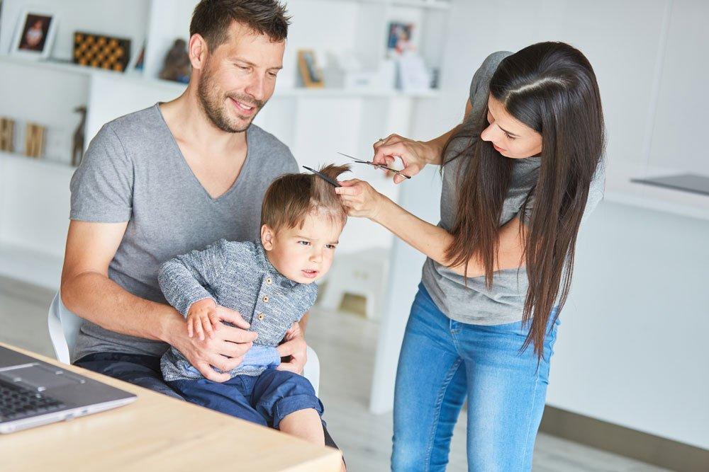 Baby selber Haare schneiden
