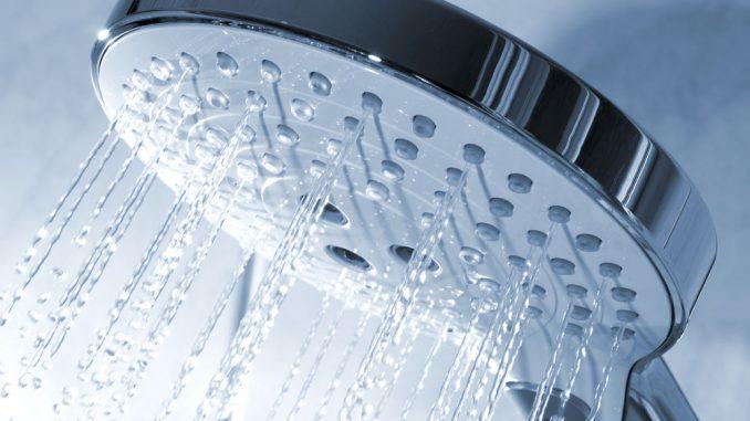 duschen statt baden 4 tipps die das duschen noch sparsamer machen. Black Bedroom Furniture Sets. Home Design Ideas