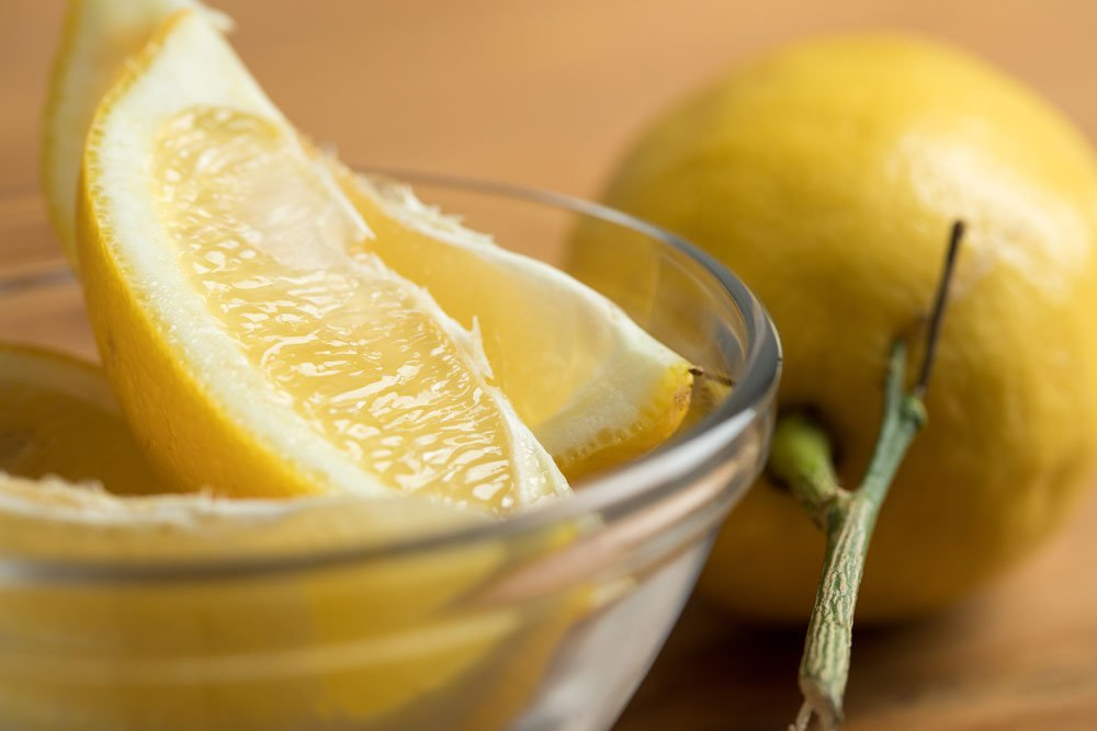 Duschkopf entkalken - Zitronensäure