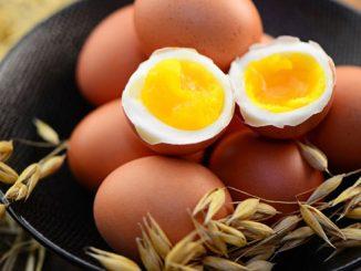 Eierflecken Tischtuch