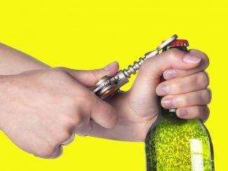 Flasche Gläser öffnen Trick