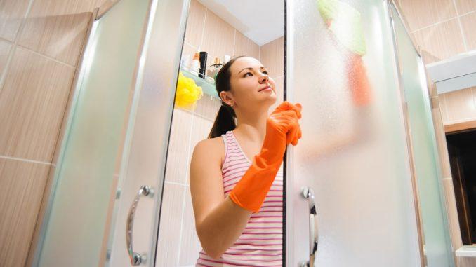 Glasdusche reinigen - Tipps zur täglichen & wöchentlichen ...