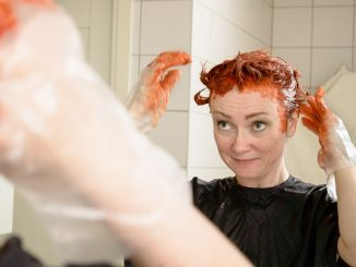 Haarfarbe Flecken entfernen