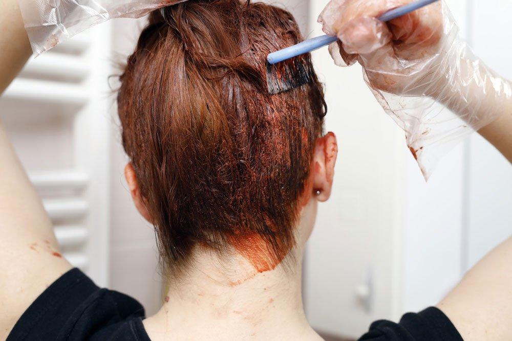 Haarfarbe Flecken entfernen - Kleidung