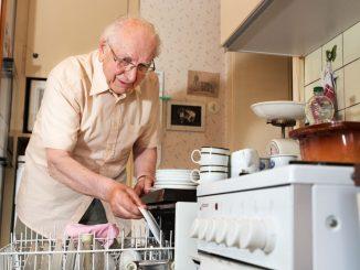Haushaltshelfer für Senioren