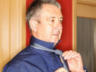 krawatte der halbe windsor knoten 1000 haushaltstipps. Black Bedroom Furniture Sets. Home Design Ideas