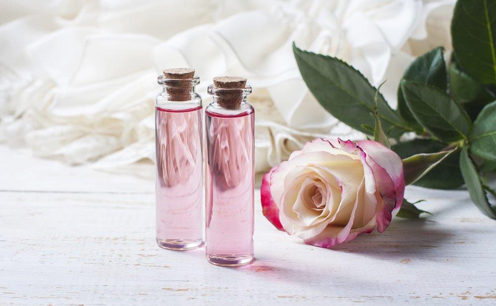 Make-up-Entferner mit Rosenwasser