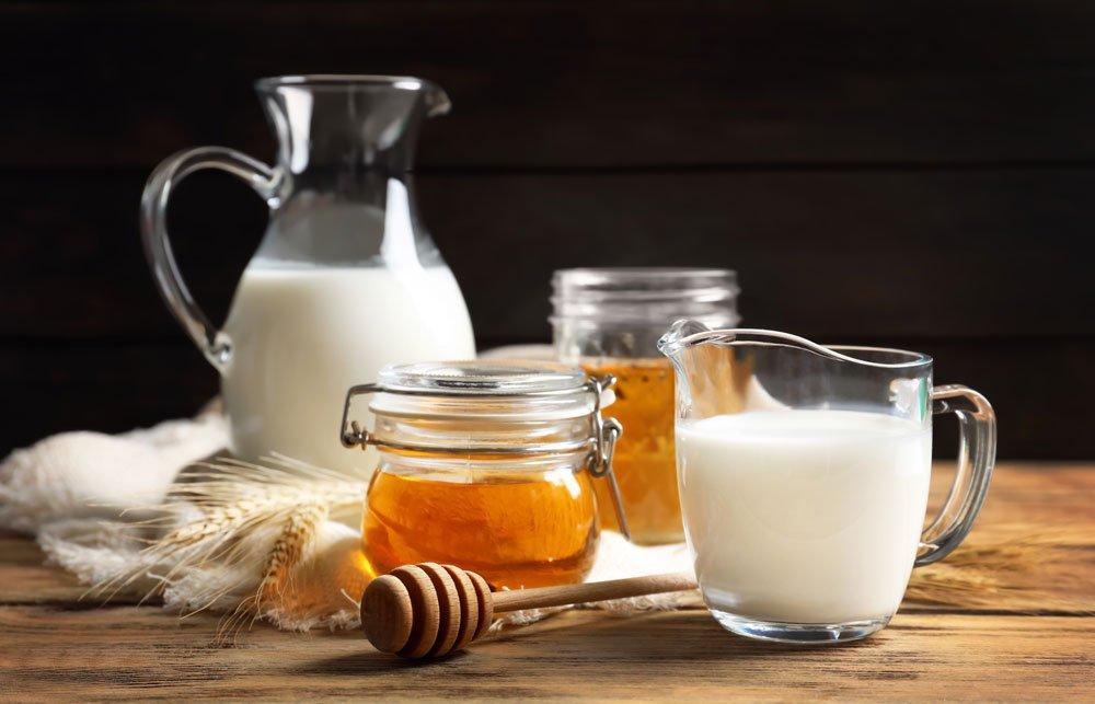 Milch mit Honig als Schlafmittel