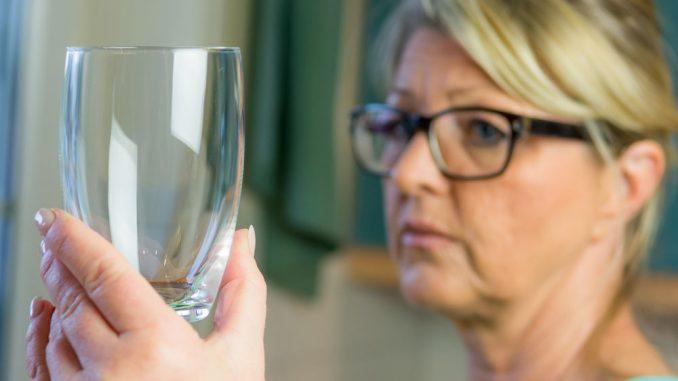 Milchige Gläser - Ursache & Tipps für strahlenden Glanz