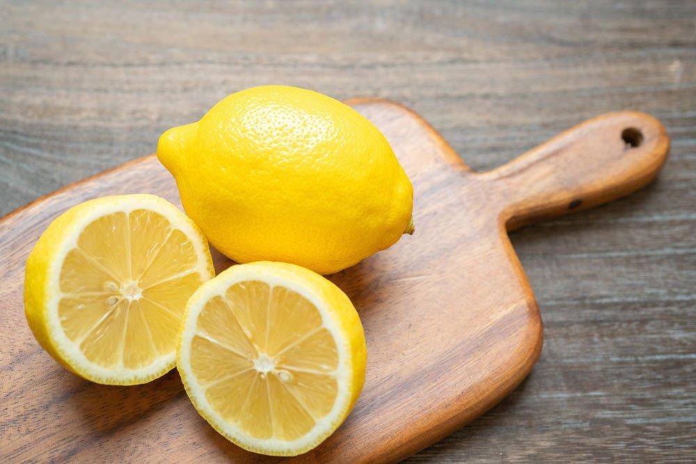 Mülleimer: Frische dank Zitrone