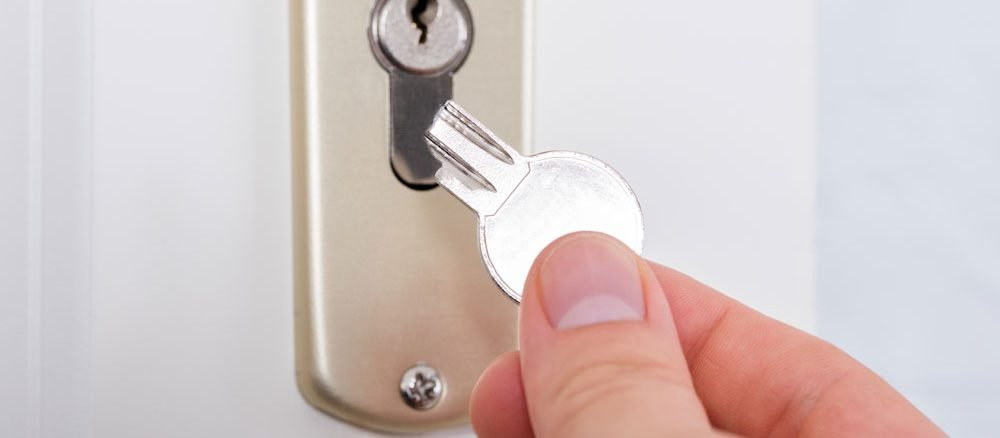 Schlüssel im Schloss abgebrochen