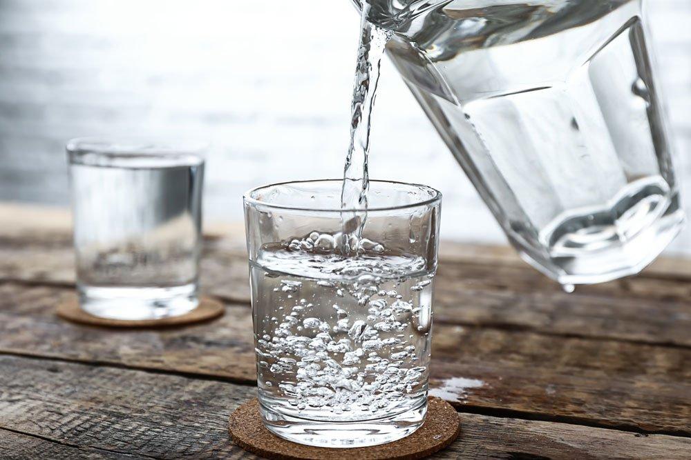 Sodbrennen: Was hilft? - Wasser