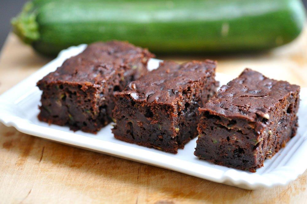 Vegane Zucchini-Brownies mit Schokolade