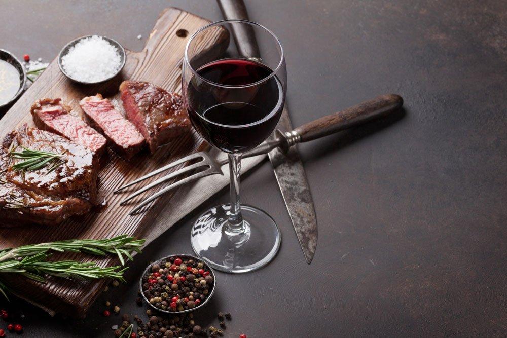 Rindfleisch und Wein