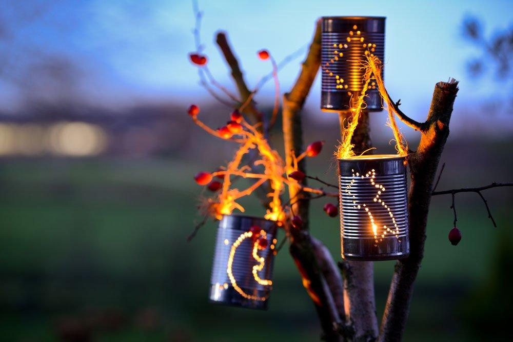 Windlicht aus Konservendose