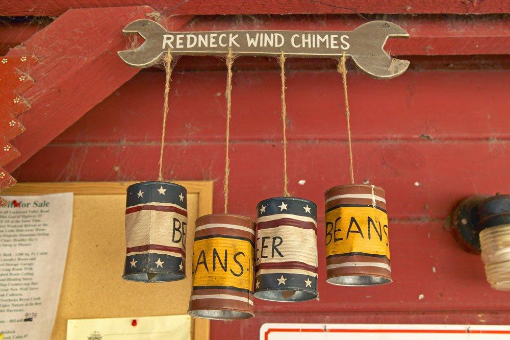 Windspiel aus Konservendosen