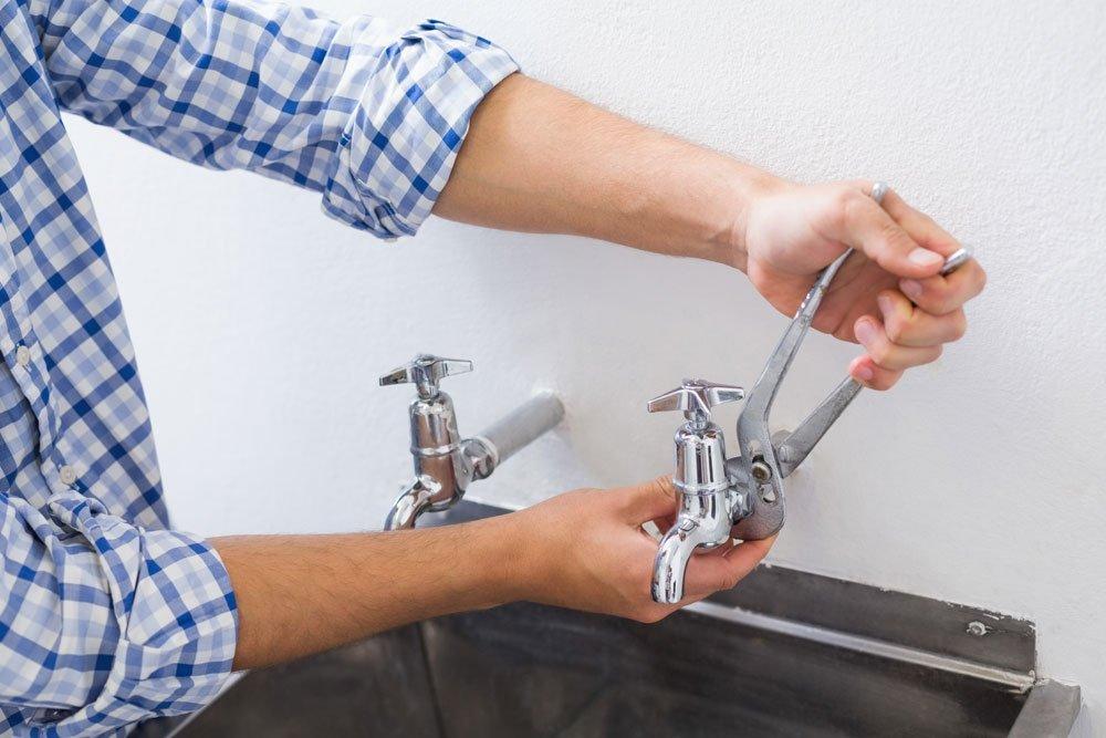 Wasserhahn Tropft Was Tun Bei Einhebelmischer Oder Zweigriffarmatur